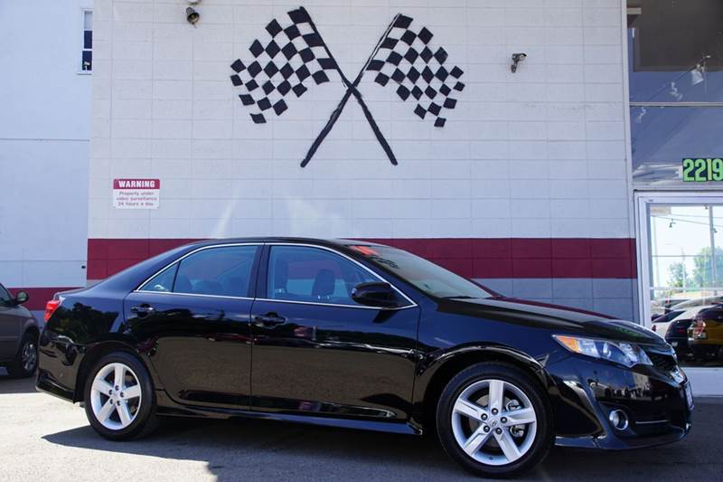 2014 TOYOTA CAMRY SE 4DR SEDAN attitude black metallic 2-stage unlocking doors abs - 4-wheel air