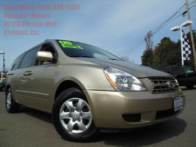 2008 KIA SEDONA LX LWB gold this is a great mini van for the family take this vehicle on long tr