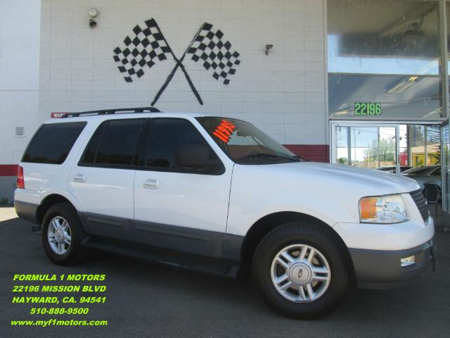 2005 FORD EXPEDITION XLT 4WD 4DR SUV white this is a very nice family size suv perfect for those