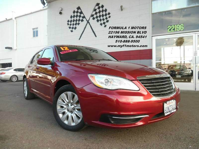 2012 CHRYSLER 200 LEATHER red this chrysler 200 is in great condition stunning beige leather int