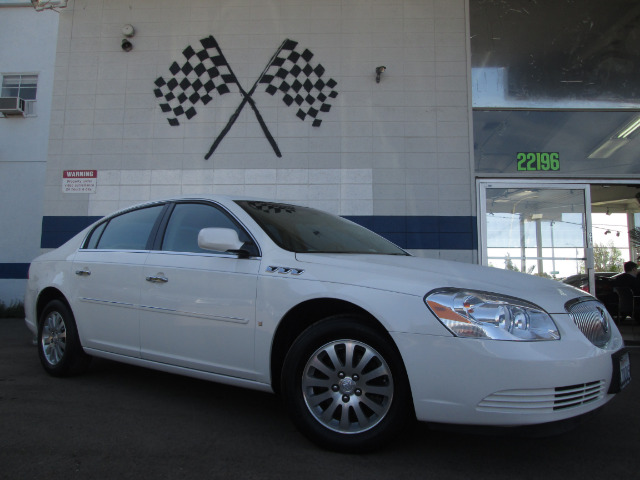 2006 BUICK LUCERNE CX white this unit is super clean theres not another one like it on the marke