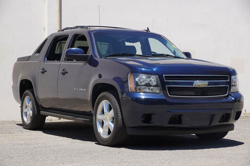 2011 CHEVROLET AVALANCHE LS 4X2 4DR CREW CAB PICKUP imperial blue metallic 2-stage unlocking doors