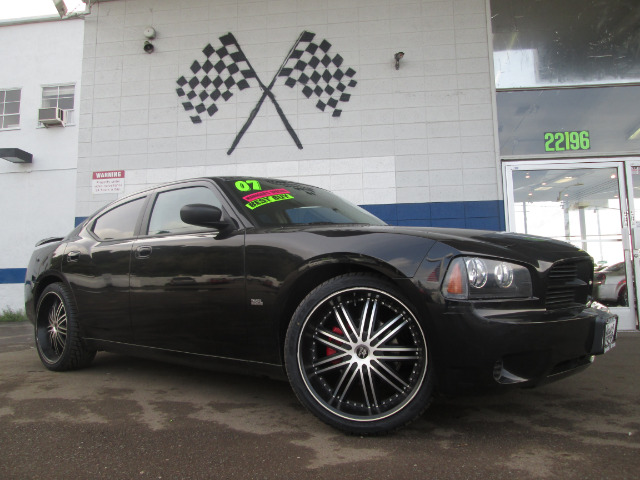 2007 DODGE CHARGER SE black this is a very nice 2007 dodge charger se it has a 35 high output eng