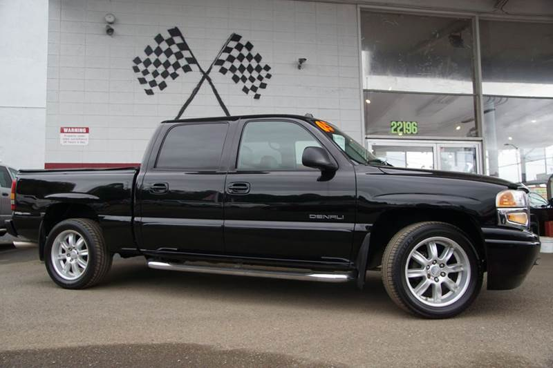 2005 GMC SIERRA 1500 DENALI AWD 4DR CREW CAB SB onyx black 4wd type - full time 4-wheel steering