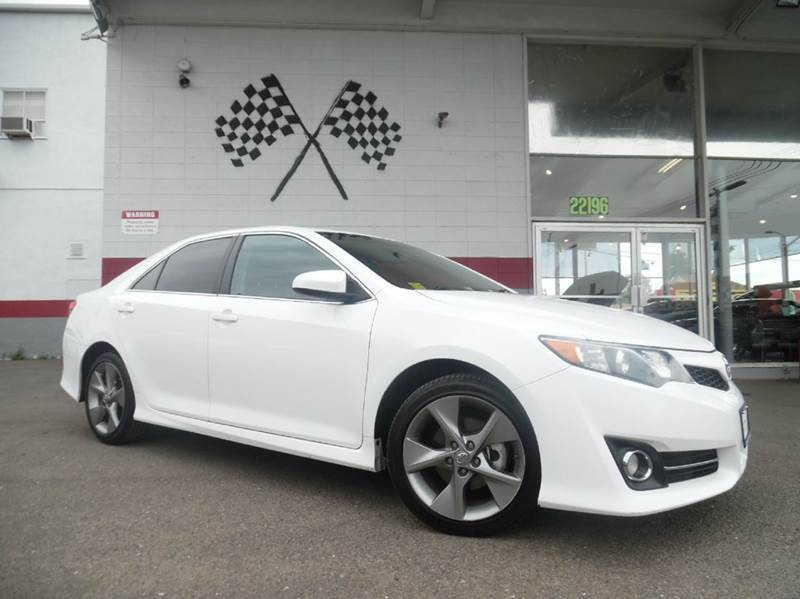 2013 TOYOTA CAMRY SE V6 4DR SEDAN white this unit is a great buy extremely dependable and has