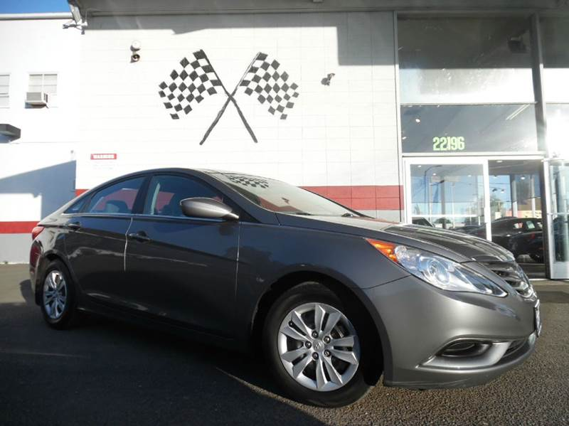 2011 HYUNDAI SONATA GLS 4DR SEDAN 6A gray this car is a beauty amazing exterior and interior d