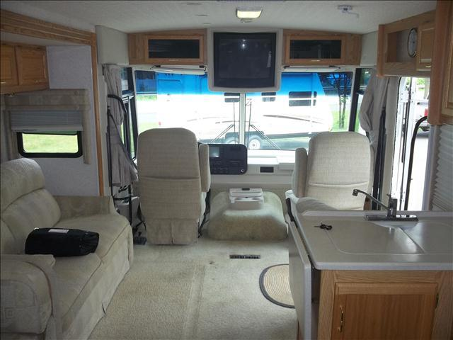 2003 Winnebago Brave 36 ft - Oneonta NY