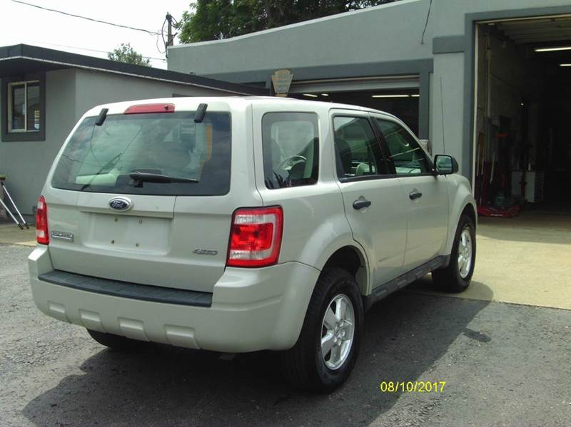 2009 Ford Escape AWD XLS 4dr SUV - Belle Vernon PA