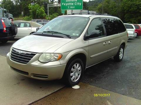 2006 Chrysler Town and Country for sale in Belle Vernon, PA