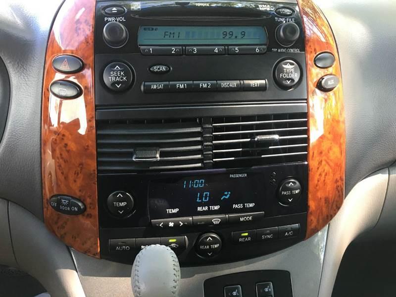 2010 Toyota Sienna XLE 7-Passenger 4dr Mini-Van - Worcester MA