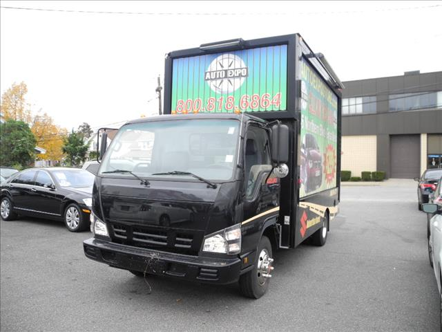 2006 Isuzu TRUCK for sale in Great Neck NY