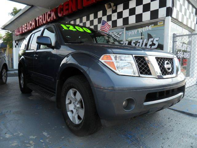 2005 NISSAN PATHFINDER SE 4DR SUV blue please call competition  auto at 888-865-0893   have bad