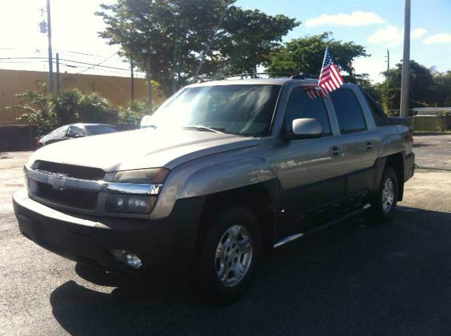 2003 CHEVROLET AVALANCHE 1500 4DR CREW CAB SB RWD silver please call schirras auto sale at 888-8