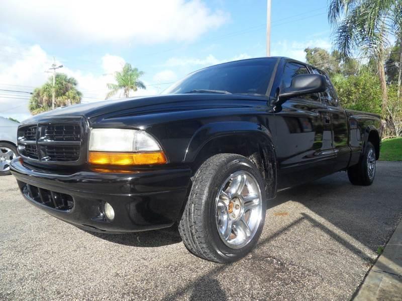 2002 DODGE DAKOTA SPORT 2DR CLUB CAB 2WD SB black please call schirras auto ii  at 866-383-7643