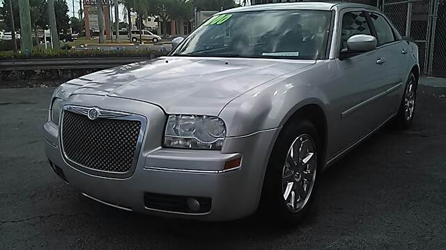 2007 CHRYSLER 300 TOURING 4DR SEDAN silver please call schirras auto at 888-865-0893