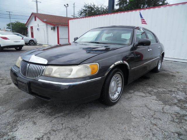 2001 LINCOLN TOWN CAR EXECUTIVE 4DR SEDAN black please call less than 6000 at 888-865-0893 for a