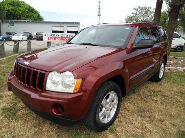 2007 JEEP GRAND CHEROKEE LAREDO 4DR SUV burgundy please call schirras auto at 888-865-0893
