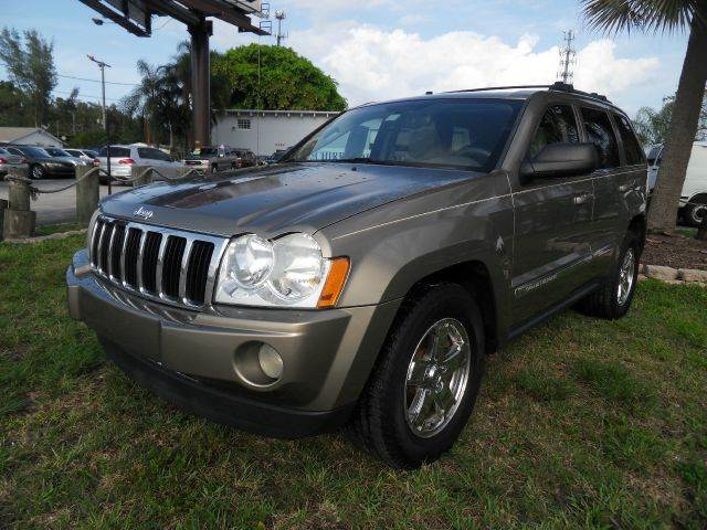 2005 JEEP GRAND CHEROKEE LIMITED 4DR SUV pewter please call schirras auto at 888-865-0893  have