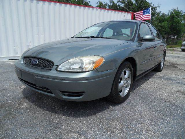 2005 FORD TAURUS SE 4DR SEDAN green please call schirras auto at 888-865-0893   have bad credit