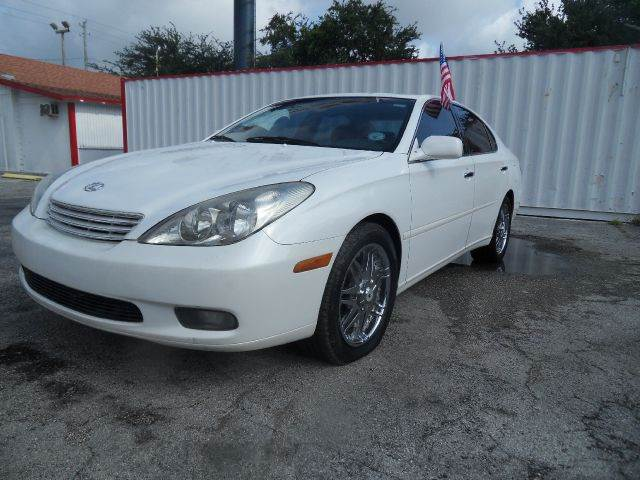 2002 LEXUS ES 300 BASE 4DR SEDAN white please call schirras auto at 888-865-0893  have bad cred