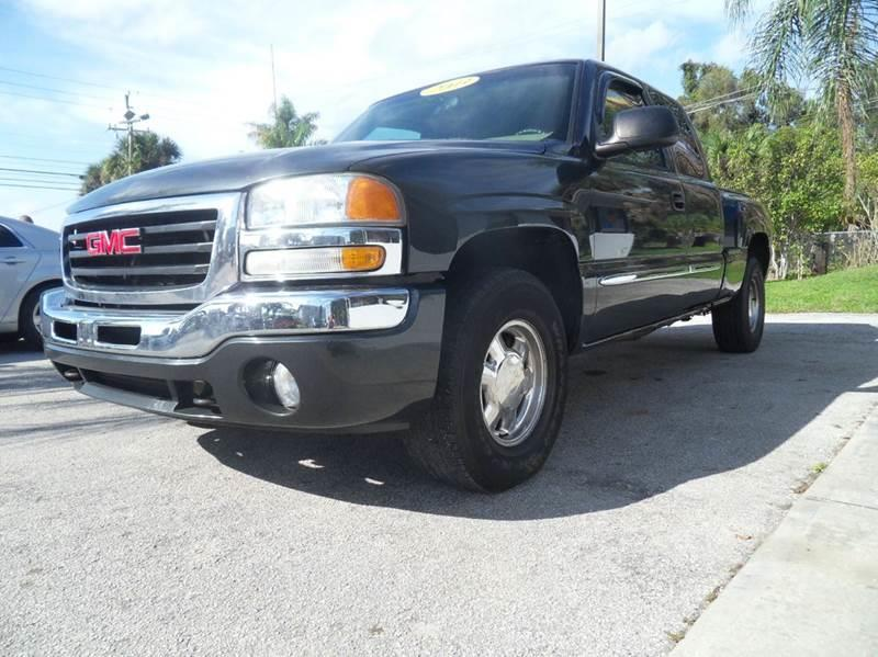 2003 GMC SIERRA 1500 BASE 4DR EXTENDED CAB 4WD LB grey please call schirras auto at 888-865-0893