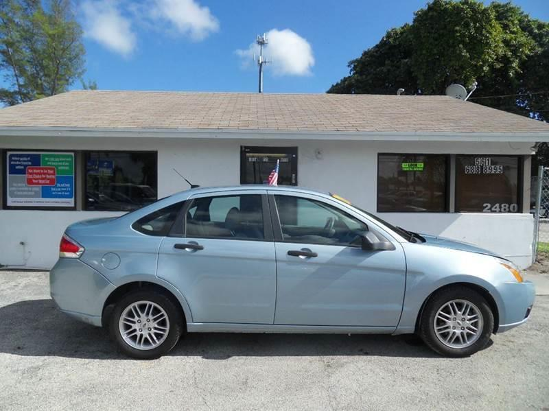 2009 FORD FOCUS SE 4DR SEDAN blue please call schirras auto at 866-383-7643  have bad credit ha