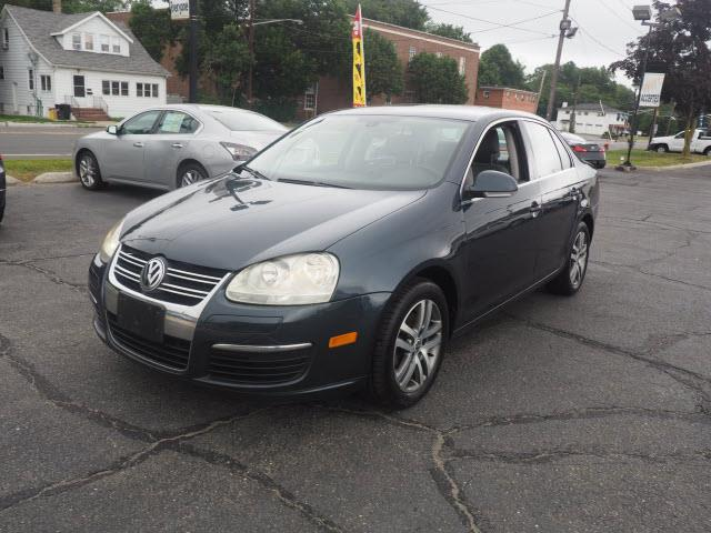 2005 Volkswagen Jetta New 2.5 4dr Sedan - Hamilton NJ