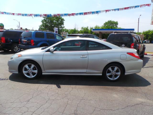 2004 toyota camry solara se 2dr coupe in dearborn mi. Black Bedroom Furniture Sets. Home Design Ideas