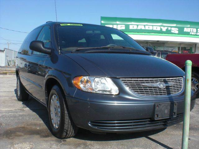 2001 chrysler town and country lx 4dr extended mini van in indianapolis in big daddy 39 s auto sales. Black Bedroom Furniture Sets. Home Design Ideas