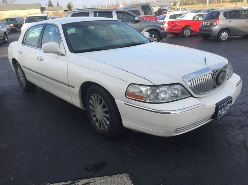 2004 Lincoln Town Car Signature 4dr Sedan In Lapeer Mi Dave Knapp