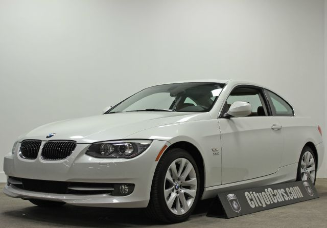 2011 BMW 3 Series 328i xDrive AWD 2dr Coupe