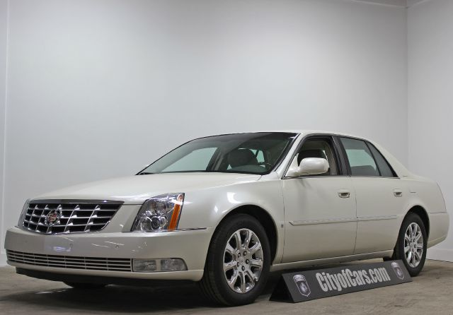 2009 Cadillac DTS Luxury Nice Clean Low Miles