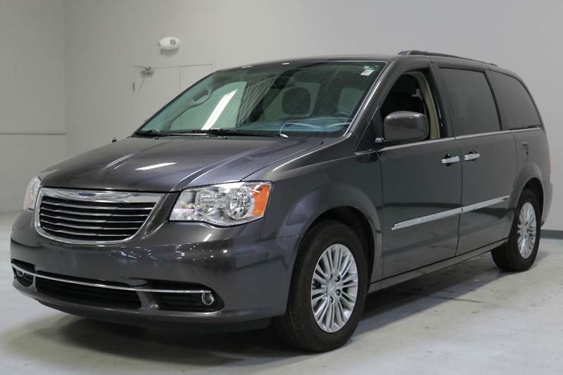 2016 Chrysler Town and Country Touring-L 4dr Mini Van