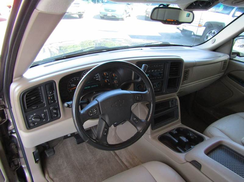 2004 Chevrolet Suburban 1500 LT 4WD 4dr SUV - Portland OR