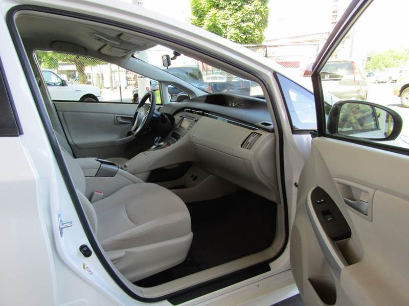 2014 Toyota Prius Three 4dr Hatchback - Portland OR
