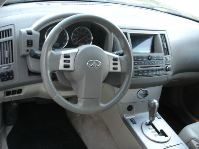2005 Infiniti FX35