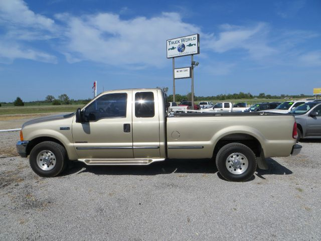 2000 Ford F-250 Super Duty for sale in Augusta  KS