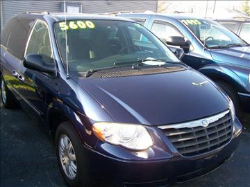 2005 Chrysler Town and Country for sale in Rockford, IL