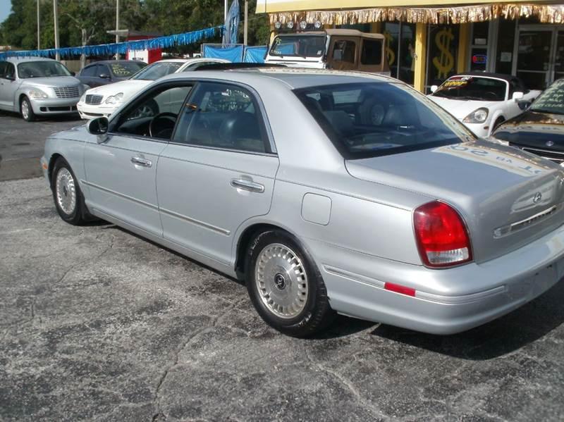 2001 Hyundai XG300 L 4dr Sedan - Largo FL
