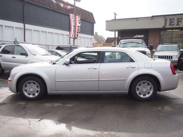 2006 Chrysler 300 Touring 4dr Sedan - Washington PA