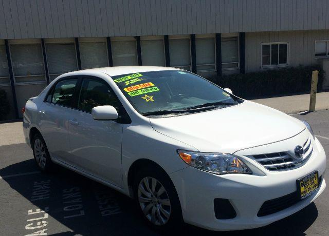 2013 TOYOTA COROLLA LE 4DR SEDAN 4A white abs - 4-wheel active head restraints - dual front adju