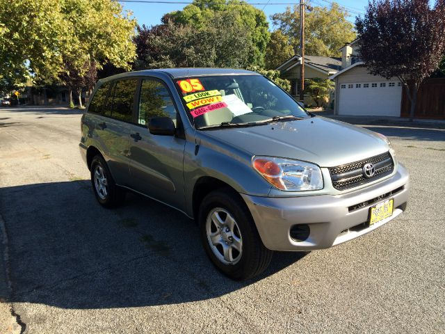 2005 TOYOTA RAV4 BASE FWD 4DR SUV light green 4-speed automatic transmission abs - 4-wheel alloy