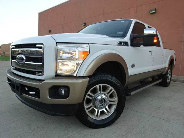 2011 FORD F-250 SUPER DUTY KING RANCH 4X4 4DR CREW CAB 68 pearl white all power equipment is func