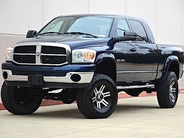 2007 DODGE RAM PICKUP 1500 SLT 4DR MEGA CAB 4WD SB blue all electrical and optional equipment on