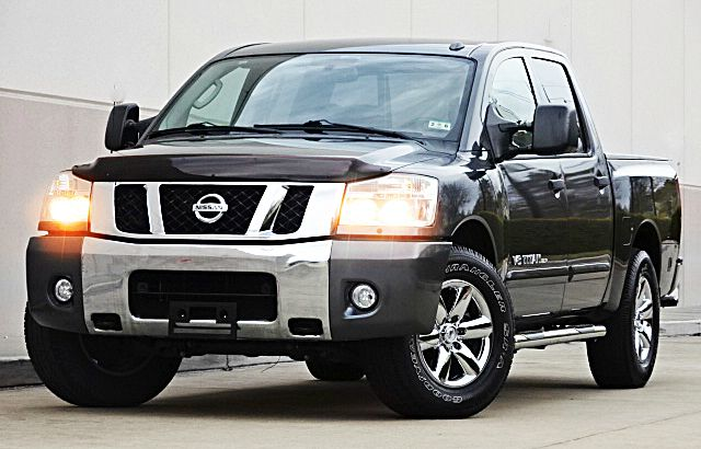 2010 NISSAN TITAN SE 4X2 4DR CREW CAB SWB PICKUP silver there are no electrical problems with thi