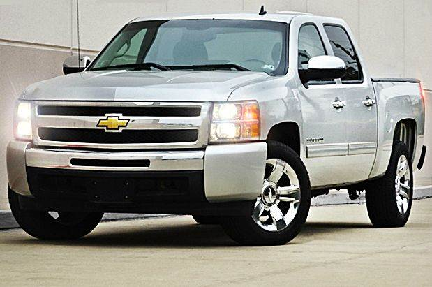 2011 CHEVROLET SILVERADO 1500 LT 4X2 4DR CREW CAB 58 FT SB silver all electrical and optional e