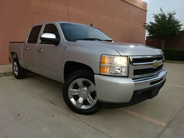 2011 CHEVROLET SILVERADO 1500 LT4X2 4DR CREW CAB 58 FT SB gold the electronic components on this