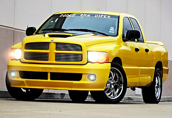 2005 DODGE RAM PICKUP 1500 SRT-10 BASE 4DR QUAD CAB RWD SB yellow all power equipment is function