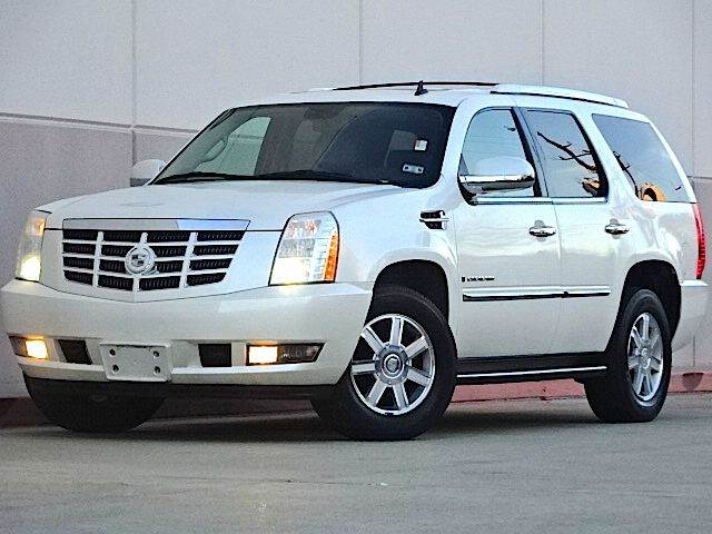 2009 CADILLAC ESCALADE BASE 4DR SUV white there are no electrical problems with this vehicle  th