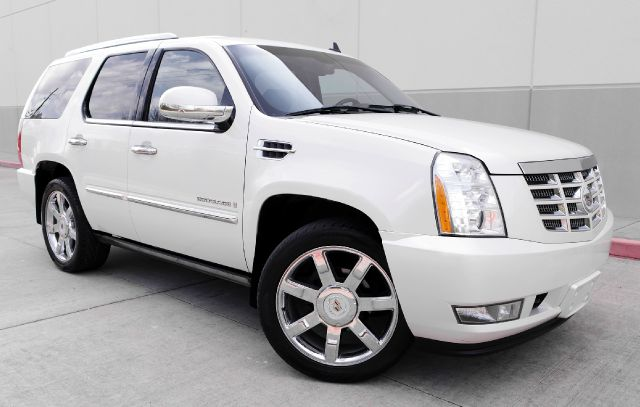 2007 CADILLAC ESCALADE BASE 4DR SUV pear white all power equipment on this vehicle is in working o